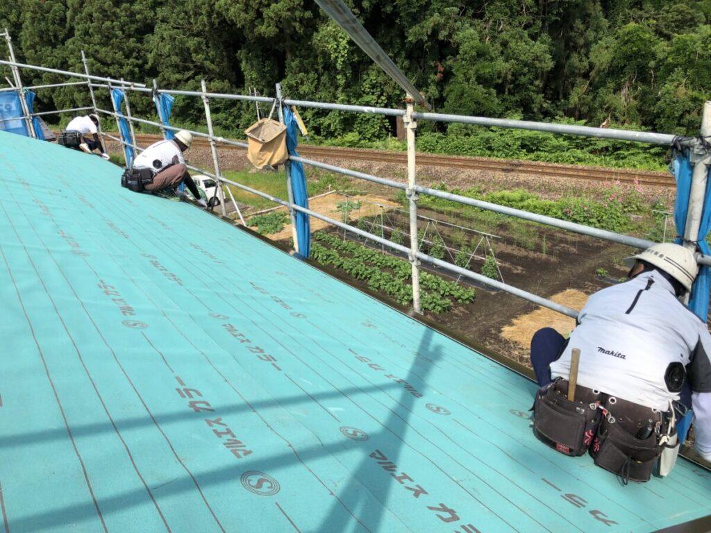十日町市で新築なら水落住建の屋根工事