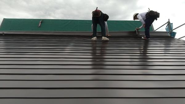 十日町市で新築なら水落住建の屋根貼り