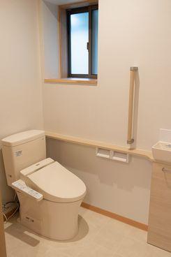 十日町市で新築なら水落住建のトイレの手摺